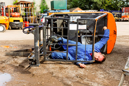 "RECRUITERS WARNED: FORK LIFT TRUCK ""LICENCES"" DO NOT EXIST!"